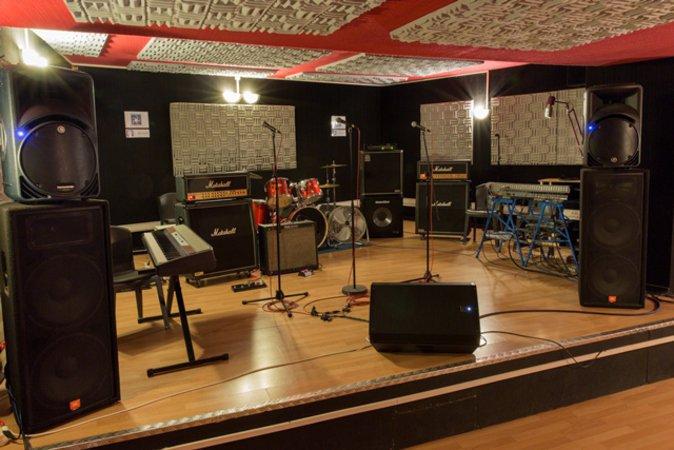 9 salles de r p tition musicale proche paris 20mn de nation bastille joinville le pont 94340. Black Bedroom Furniture Sets. Home Design Ideas