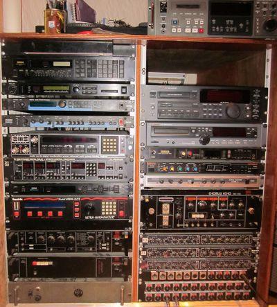 Studio le pressoir enregistrement mixage bourr 41400 - Table de mixage studio d enregistrement ...